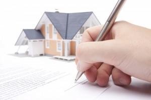 Både du og leietaker må de nødvendige forsikringene. Derfor er det viktig å ha dette kontraktfestet. (Ill. foto: iStockphoto.com).