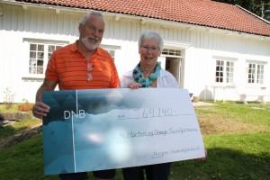 Jørn Jorde, leder av Horten og omegn turistforening, er veldig takknemlig for støtten på 64 140 kroner som de i 2013 ble overrakt av Inger Helene Wall på vegne av BoligMentoren (Norges Huseierforbund.)