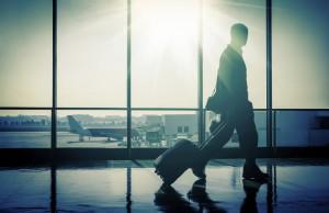 En mann med magetrøbbel fikk erstatning for tapt bagasje. (Ill. foto: iStockphoto.com).
