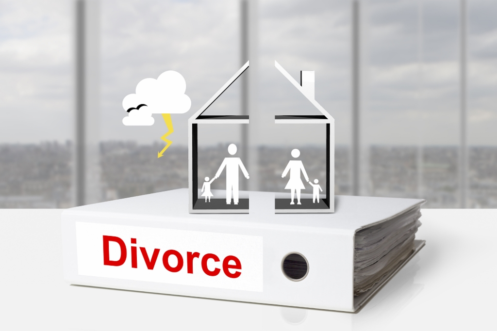 Særeie og felleseie er betegnelser på formuesordningen mellom ektefeller. Er boligen felleseie, skal verdien deles på begge. (Ill. foto.: iStockphoto.com).