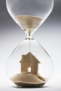 Husleietvister skal avgjøres raskere for folk sier kommunal- og moderniseringsminister Jan Tore Sanner. Han vil forenkle og fornye husleietvisreglene. (Ill. foto: iStockphoto.com).