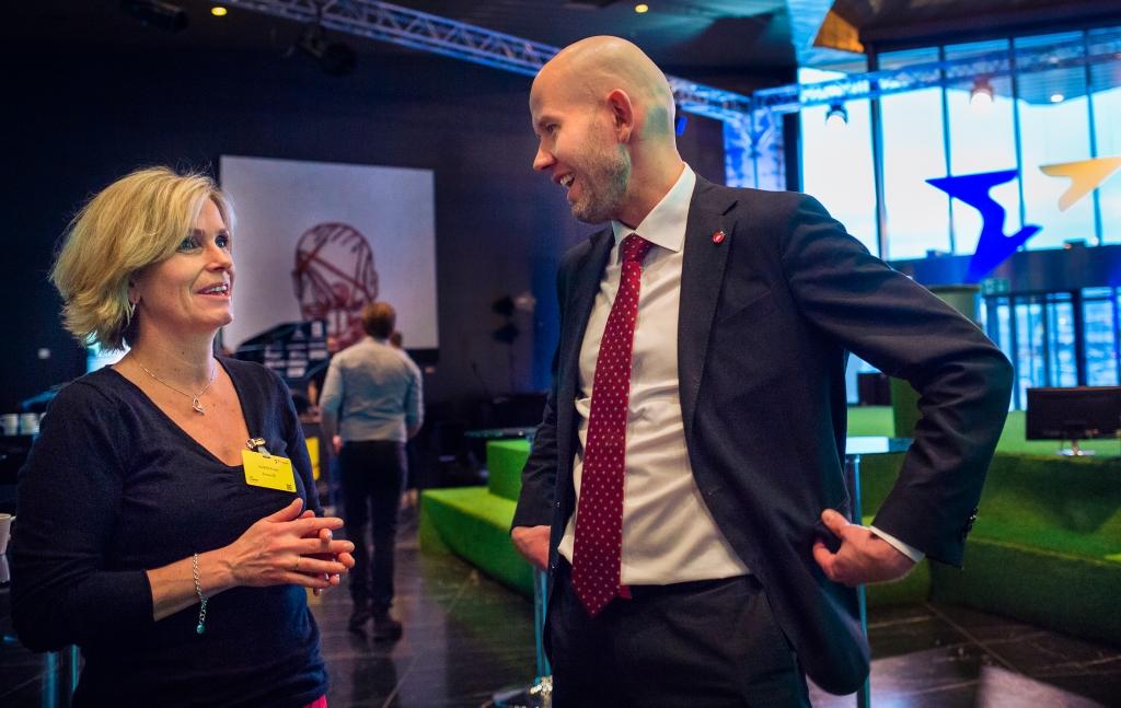 Markedsdirektør Audhild Kvam og olje- og energiminister Tord Lien hadde gleden av å presentere et forsterket tilbud til norske boligeiere. (Foto: Enova).