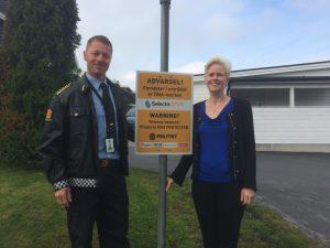 Prosjektleder for politiets pilotforsøk Odd Kostveit, og forebyggelsessjef Elin Ljones fra Tryg Forsikring. (Foto: Tryg Forsikring).